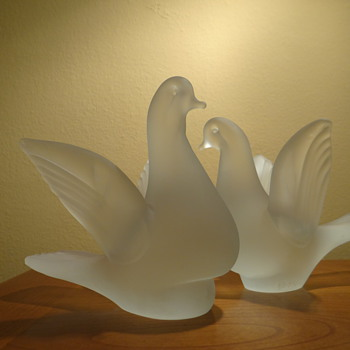 FROSTED GLASS BIRDS  - Art Glass