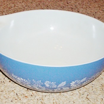 Vintage Colonial Mist Pyrex Bowl - Kitchen