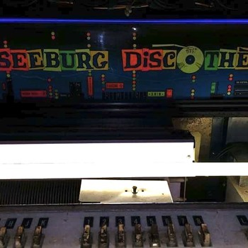 My Seeburg PFEAU Discotheque and a few wall boxes