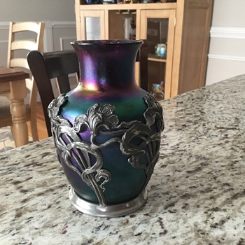 Kralik cabinet vase