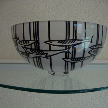 cameo cut (fish)bowl by sara bowler uk - Art Glass