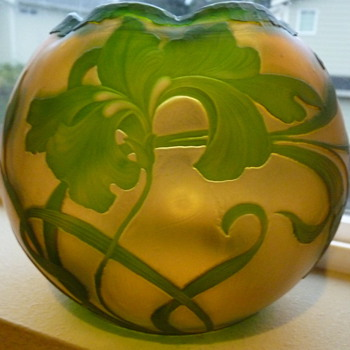 Large Harrach Cameo Rose bowl - Art Glass