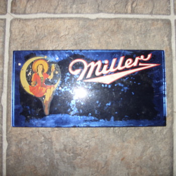 glass ad miller girl sittting on the moon - Breweriana