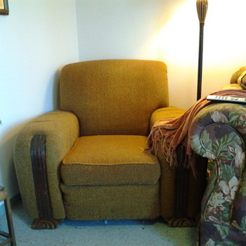 Love this chair and couch....but curious as what era they are from - Furniture