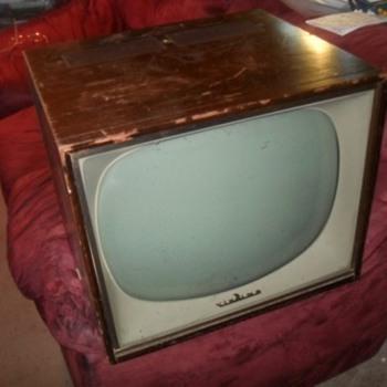 1952 Electrohome tv - Radios