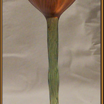 LUNDBERG STUDIOS  FLORIFORM VASE / GLASS  - Art Glass