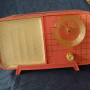 pink philco - Radios