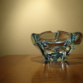 VINTAGE DAUM FRANCE -CRYSTAL ASHTRAY
