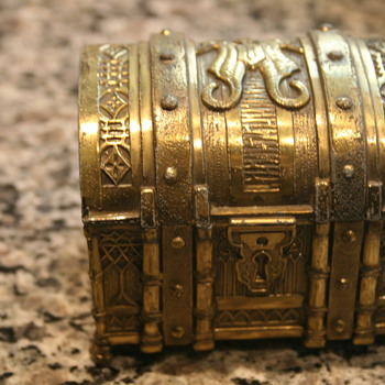 Gold Japanese Trunk - Asian