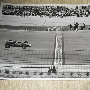Jim Clark winning at Indy 500 1965 - Photographs