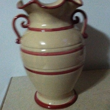 Niko vase - Art Pottery