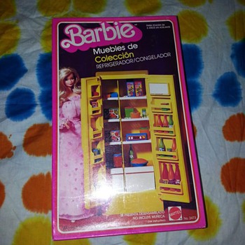 I have 2 vintage Barbie items  - Dolls