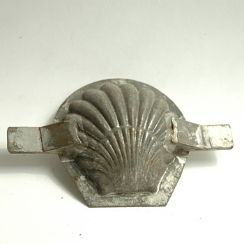 small shell chocolate mold