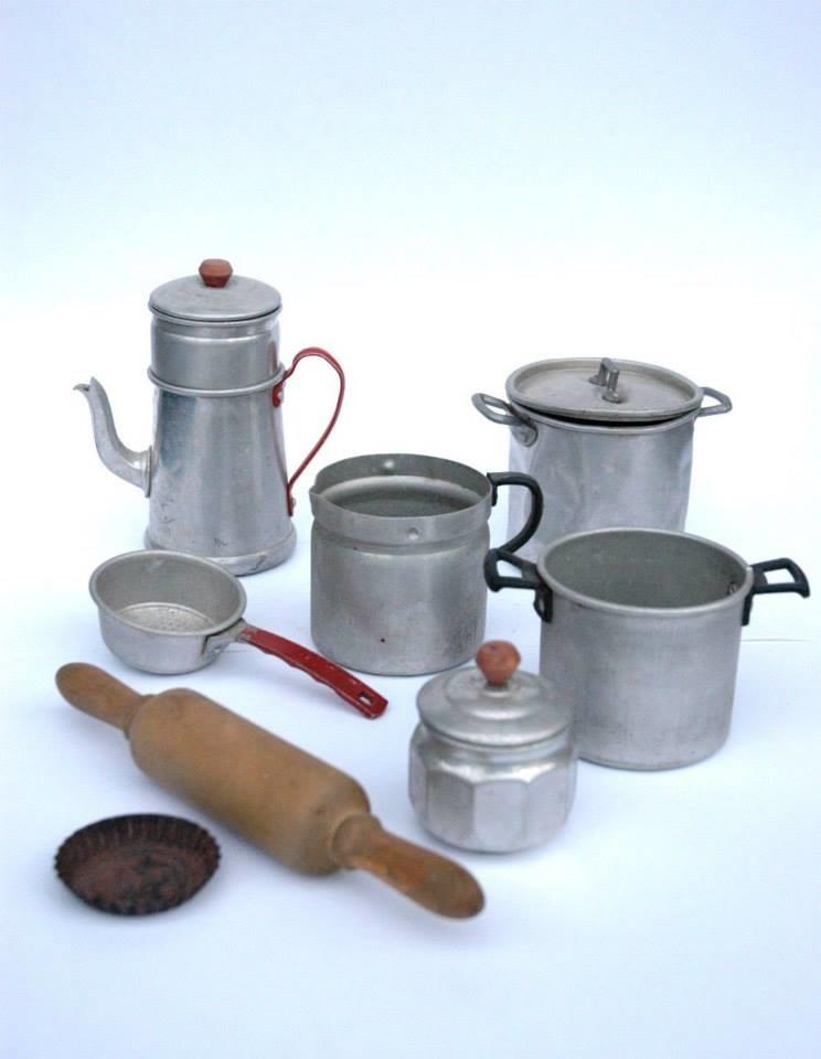 233 l 233 ment de dinette batterie de cuisine 233 res 1950 collectors weekly