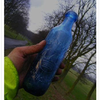 PETER THORNTON BLUE BLOB CYLINDER SOUTH SHIELDS - Bottles
