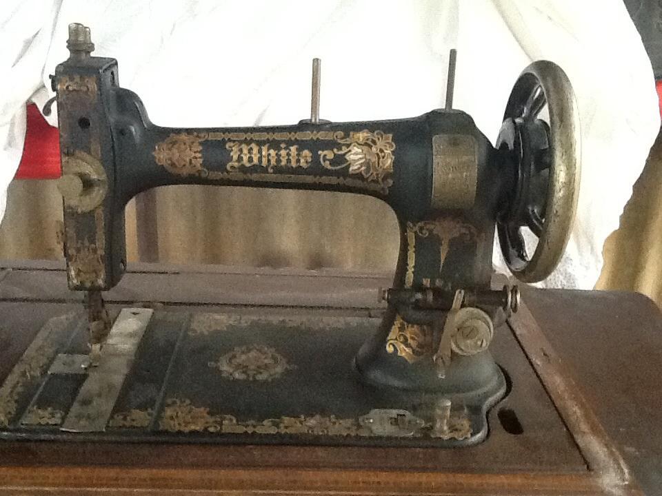 white family rotary sewing machine