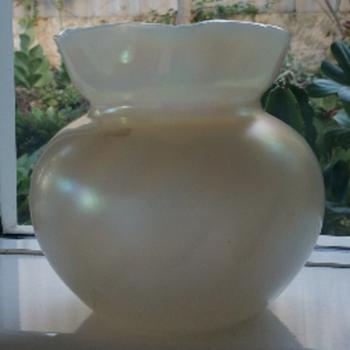 Kralik Bohemian Pearlescent Iridescent Vase