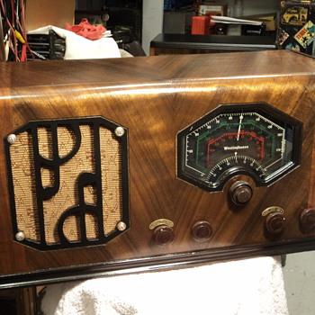 Westinghouse radio model 512 - Radios