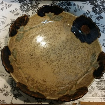 FLORAL CERAMIC BOWL SIGN LOUISE FROGEL? - Art Pottery