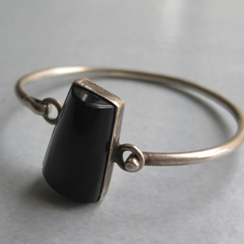 Black onyx bangle  - Fine Jewelry