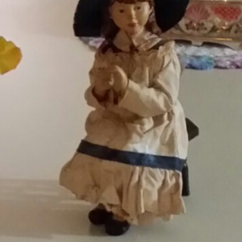 please help me identify this doll - Dolls