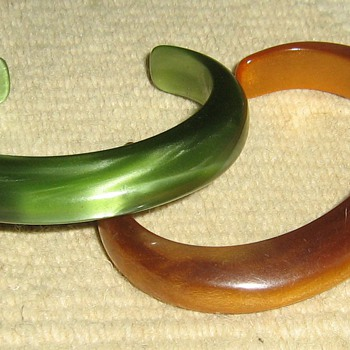 How old are these lucite & bakelite cuffs? - Costume Jewelry