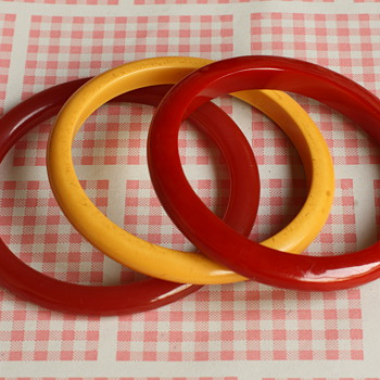 Bakelite spacer bracelets - Costume Jewelry