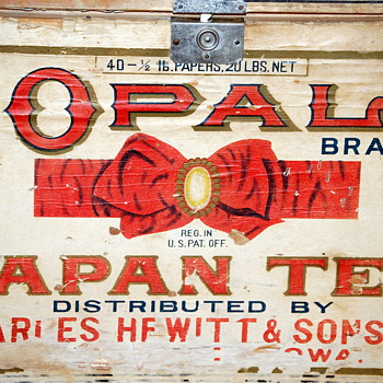 Antique OPAL BRAND TEA BOX made by Charles Hewitt & Sons Co. - Asian