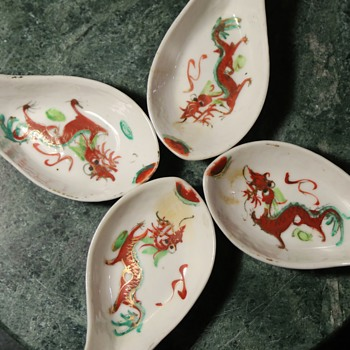 4 old porcelain spoons - Chinese - 1950s - with dragons!