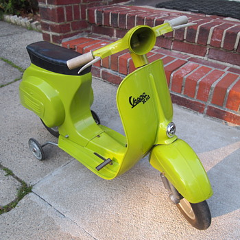 Vespa Kid toddler pedal bike - Motorcycles
