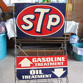 STP Display Rack - Petroliana