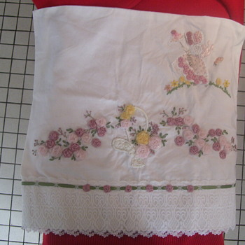 ODAY'S PRIZE SOME EDWARDIAN -VICTORIAN WHITE LINEN NEEDLEWORK. PART 1
