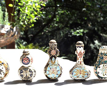 Cloisonne snuff bottles - Asian