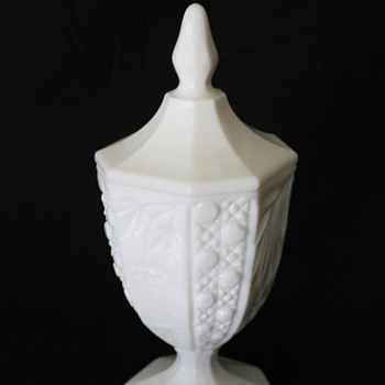 milk glass smith