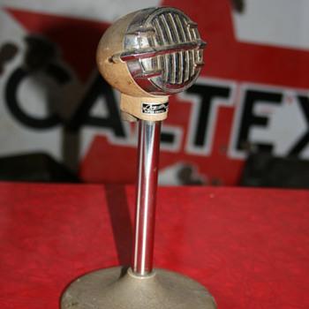 microphone - Radios