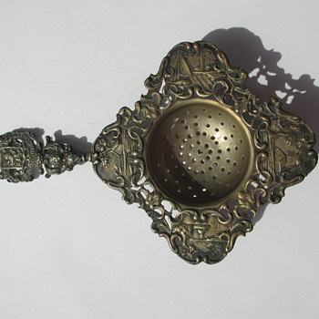 1916 Dutch Silver Tea Strainer - thrift store find - Silver
