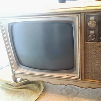 Hello 1967 Color!!! - Electronics
