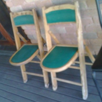Vintage Card/poker fold up chairs????