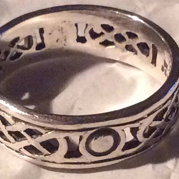Celtic ring ?