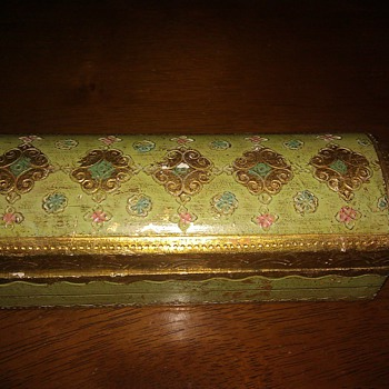 My pretty vintage trinket box from Italy