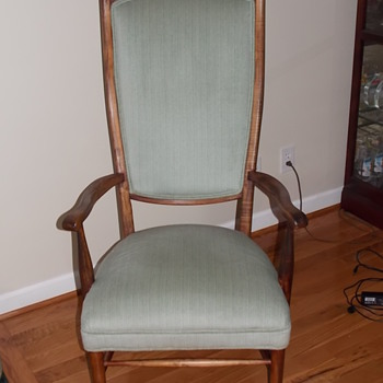 Does anyone know this chair?