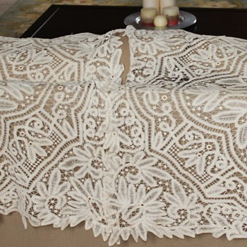 Can anyone tell me what kind of tablecloths these are? - Rugs and Textiles