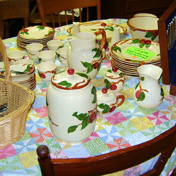 Franciscan Ware Apple Pattern Service For Eight