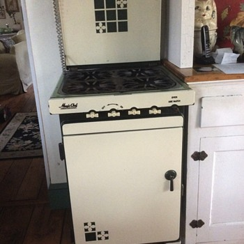 Magic Chef green and cream gas stove - Kitchen