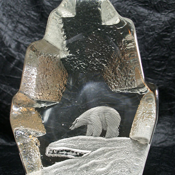 Åseda paperweight Polar Bear - Art Glass