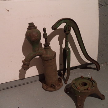 Green Cast Iron Cylinder Hand Water Pump - Tools and Hardware