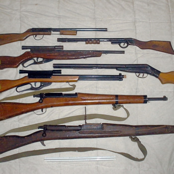 My toy gun collection, rifles and shot guns. Paris and Wyandotte