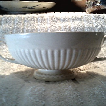 "Small 5"" Wedgwood Creamware Handled Soup Bowl /""Edme"" Pattern / Stamped and Incised Wedgwood Made in England/ Circa 1908"