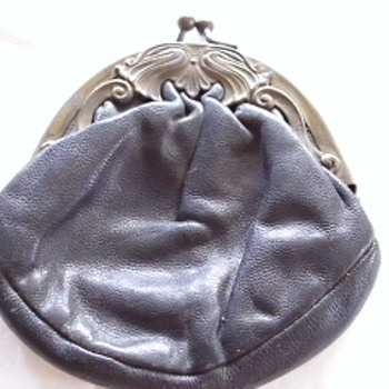 Old snap type change purse - Accessories