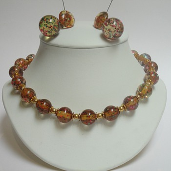 Mystery confetti apple juice bakelite necklace & earrings